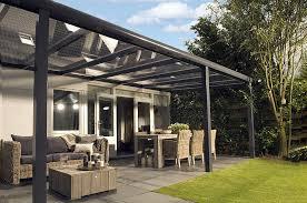 comment construire une pergola en aluminium haute tradition manuelle services. Black Bedroom Furniture Sets. Home Design Ideas